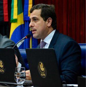 Gervásio critica uso político dado ao fim do racionamento em Campina