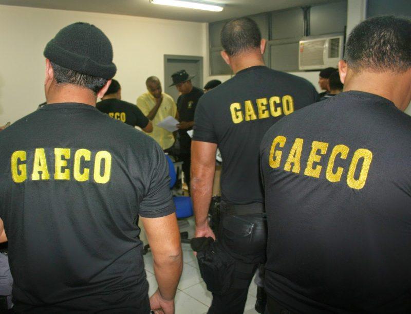 EXCLUSIVO: Gaeco realiza busca e apreensão na casa de Ricardo Coutinho e no apartamento de Waldson