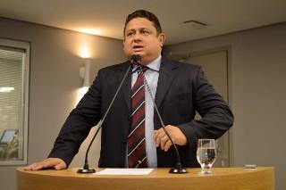 Virgolino nega inconstitucionalidade em projeto de lei que inclui protetor solar como item da cesta básica